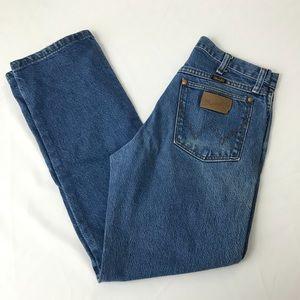 Wrangler High Rise Mom Jeans Straight Leg sz 4